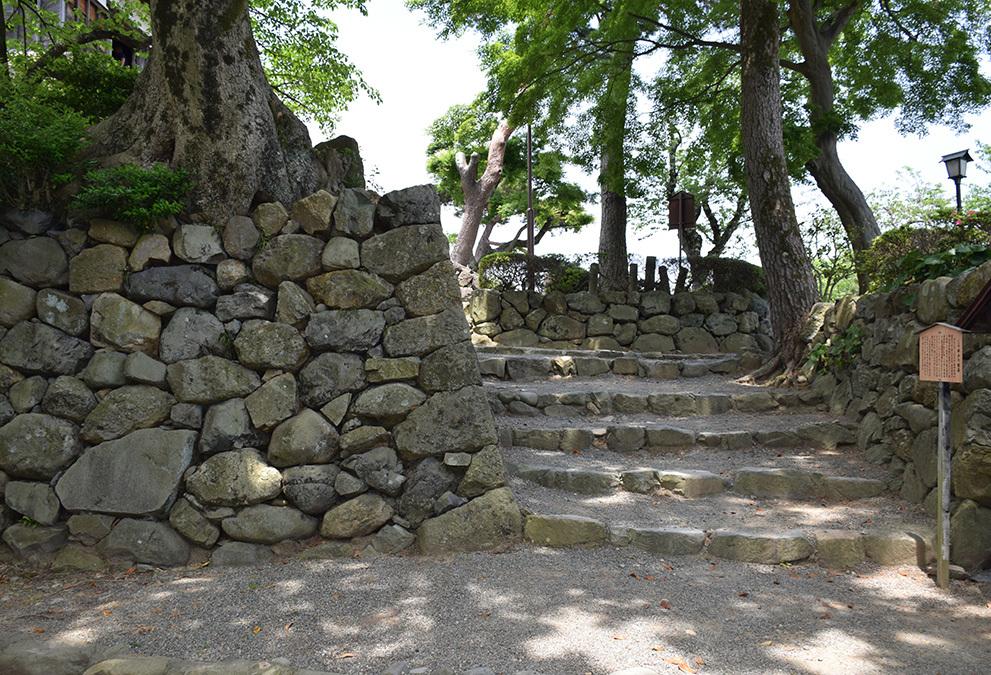 日本最古の現存天守、丸岡城を訪ねて。 その3 <本丸>_e0158128_10165038.jpg