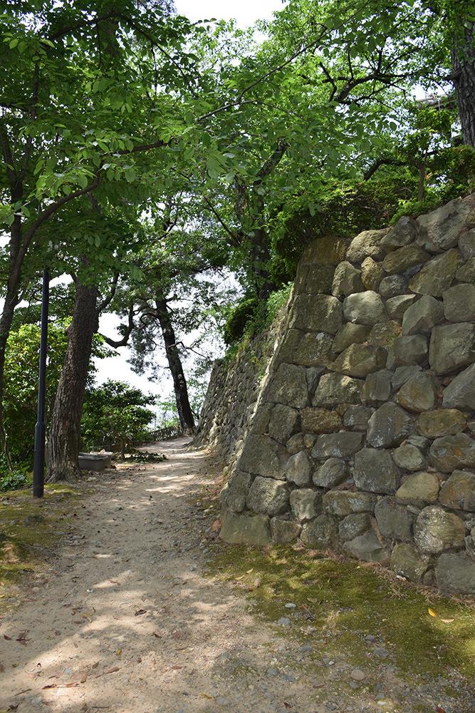 日本最古の現存天守、丸岡城を訪ねて。 その3 <本丸>_e0158128_10223559.jpg