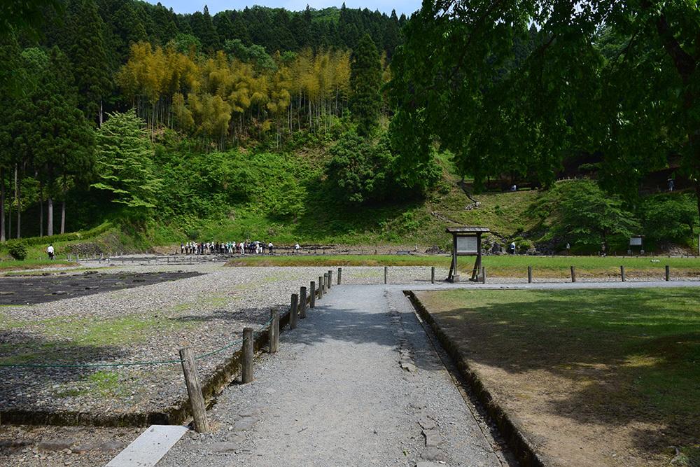 一乗谷朝倉氏遺跡を歩く。 その3 「朝倉氏館跡」_e0158128_19034098.jpg