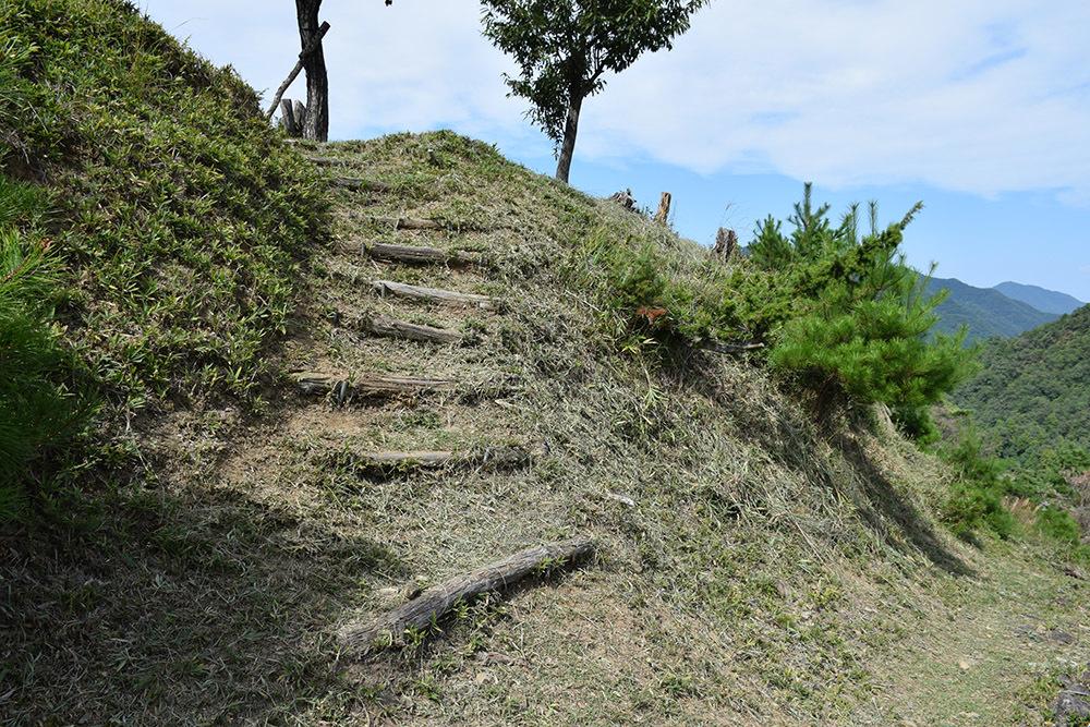 越前朝倉氏発祥の地、但馬朝倉城跡を訪ねて。_e0158128_20553199.jpg