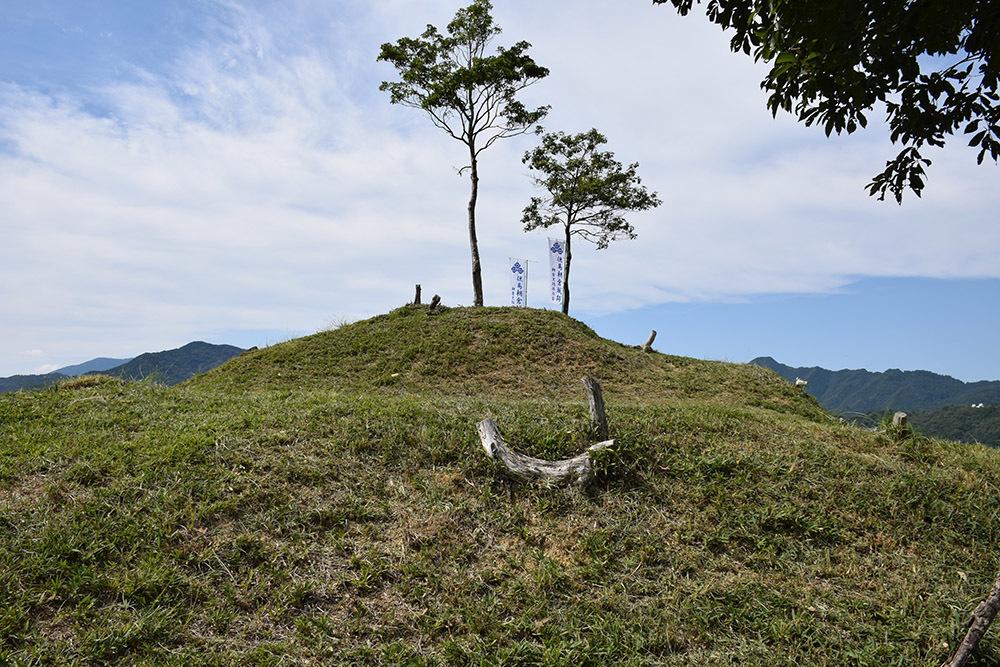 越前朝倉氏発祥の地、但馬朝倉城跡を訪ねて。_e0158128_20565250.jpg