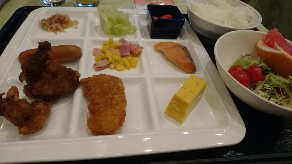ホテルガーデンパレス札幌の朝食は、_b0106766_07324147.jpg