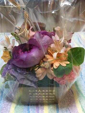 うちかわ指圧 10周年記念日に お花をいただきました。_a0112393_09060310.jpg