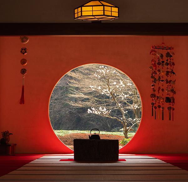 北鎌倉 明月院の丸窓とつるし雛_b0145398_00021877.jpg