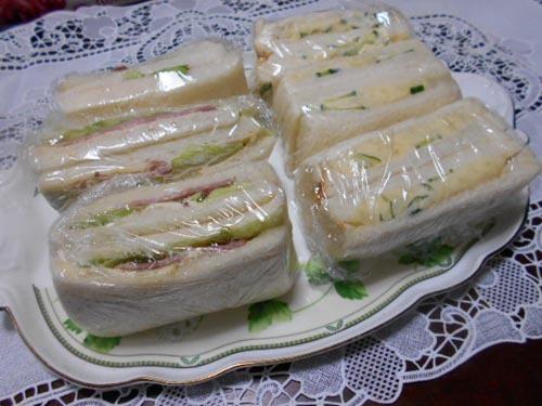サンドイッチ&大根の煮物_f0019498_22285864.jpg