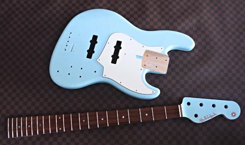 オーダーものを含むGuitarと5弦Bassの塗装が完了!_e0053731_15252984.jpg
