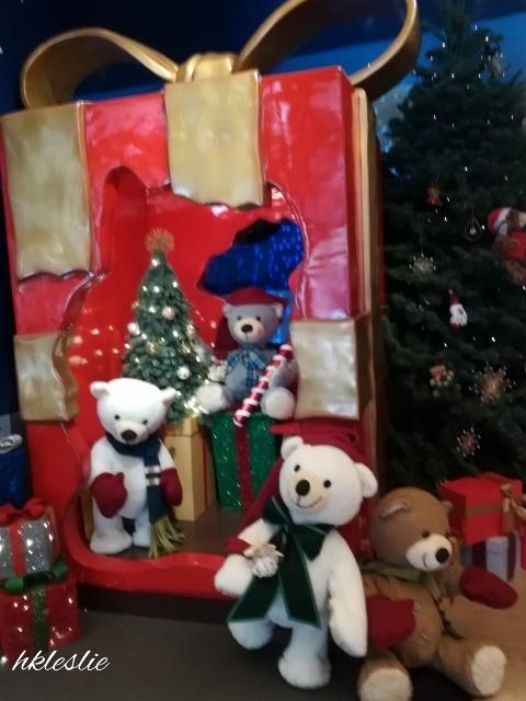 遮打大廈のクリスマスデコレーション_b0248150_05042357.jpg