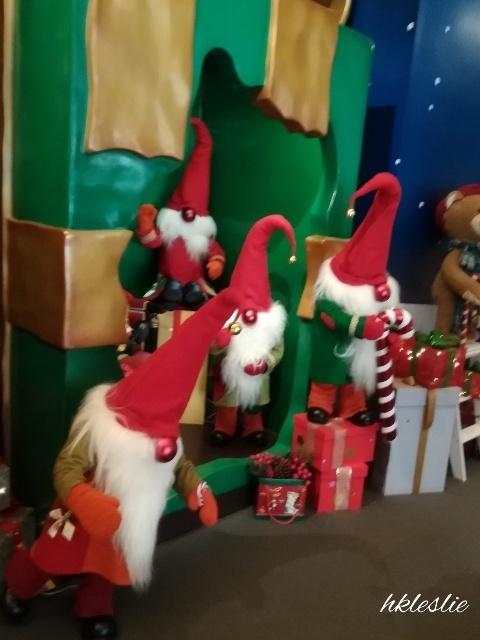 遮打大廈のクリスマスデコレーション_b0248150_05085983.jpg