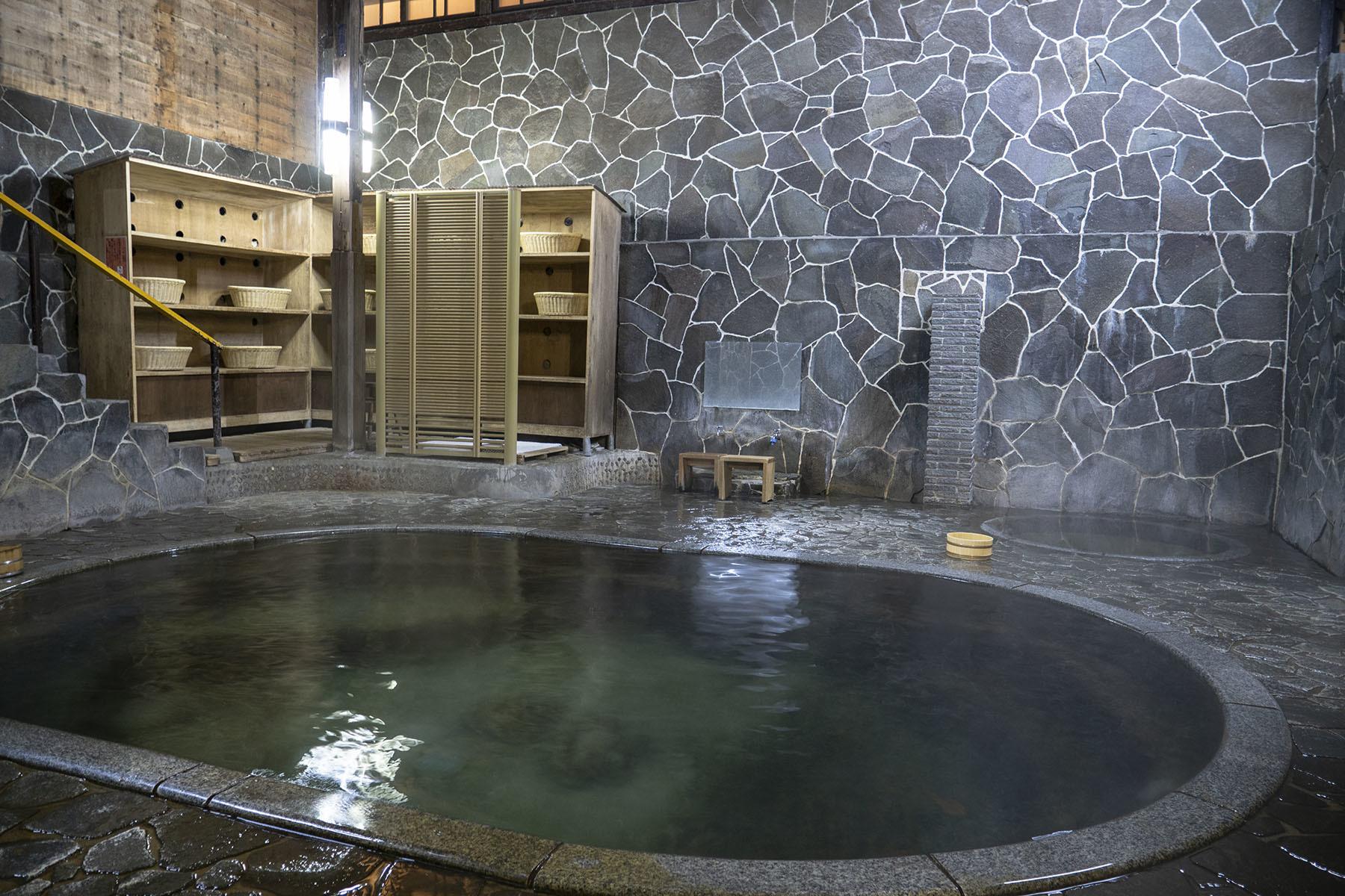鉛温泉とマルカン食堂_e0100152_09361325.jpg