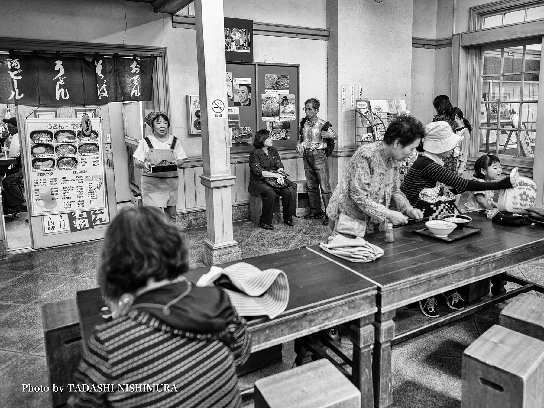 スターバックスコーヒー門司港駅店に写真が飾られました_c0028861_19233055.jpg