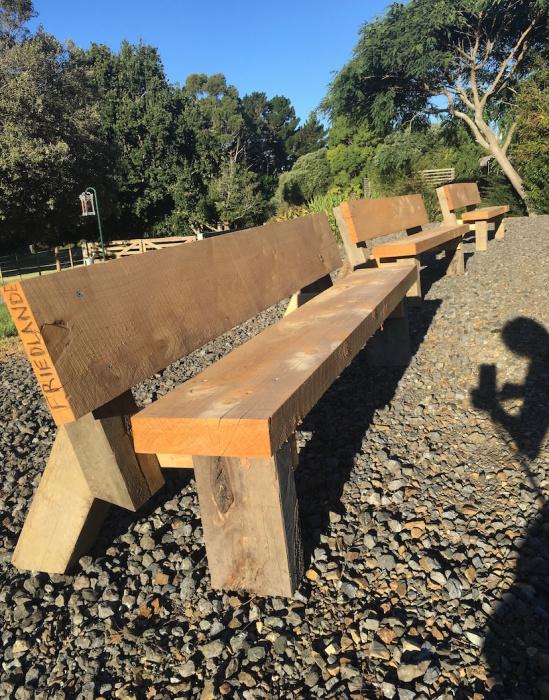 ファームの新しい家具/ Our New Outdoor Furniture_e0310424_17103122.jpg