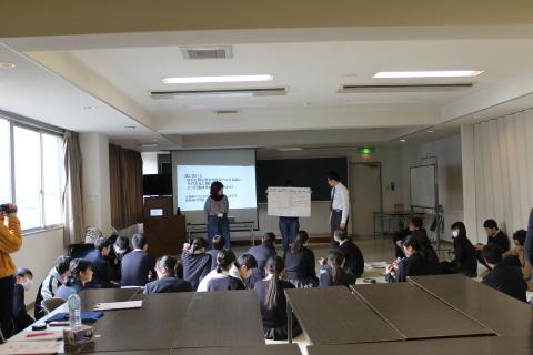 新潟第一中学校において「想像を超えた世界」ワークショップを行いました_c0167632_17225846.jpg