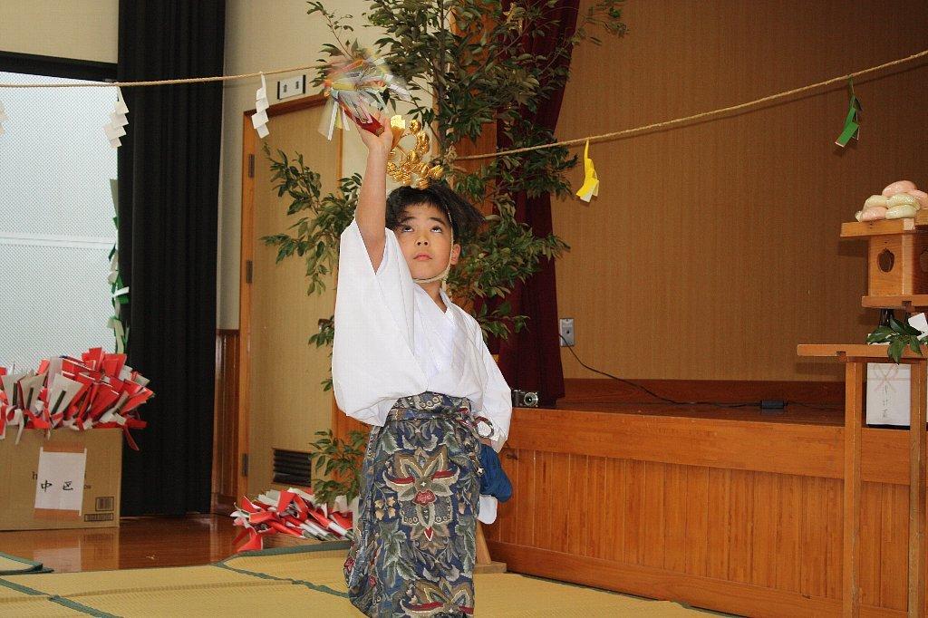 平成31年大塚神社春神楽_c0045448_09165260.jpg