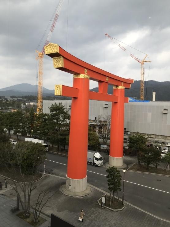 京都近代美術館  京都の染織展始まる_c0100195_13321881.jpeg