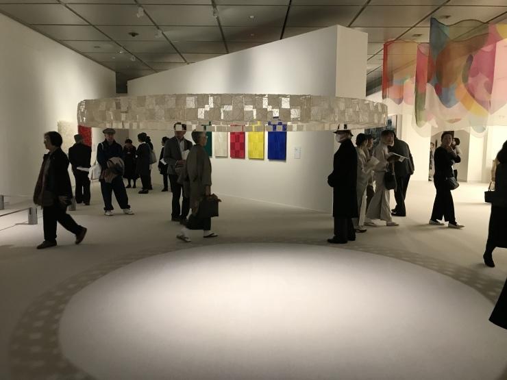 京都近代美術館  京都の染織展始まる_c0100195_13382952.jpeg