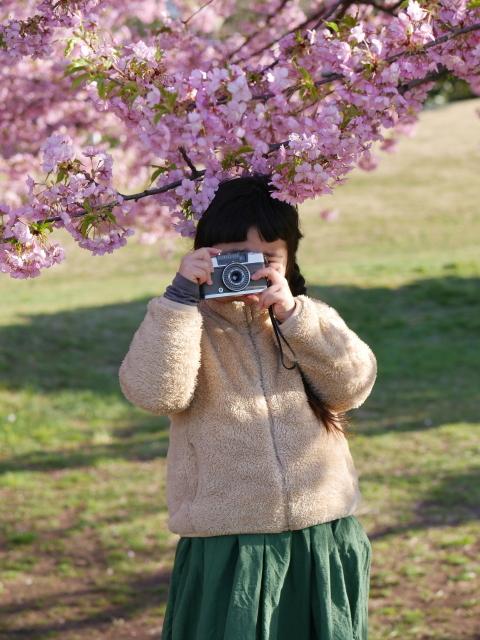 おさげ髪のカメラ女子_f0147895_19433076.jpg