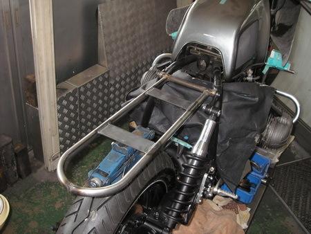 BMW R100RS改への道 6)リアシートレール_e0218639_13043018.jpg