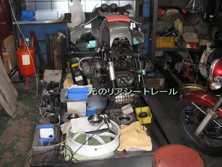 BMW R100RS改への道 6)リアシートレール_e0218639_13043127.jpg