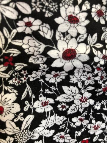 新作!テーマは愛のハート柄アルパカワンピース ・ayacucyo手刺繍ペルー雑貨・天然素材小花柄の前開きワンピース_d0187468_19060341.jpg