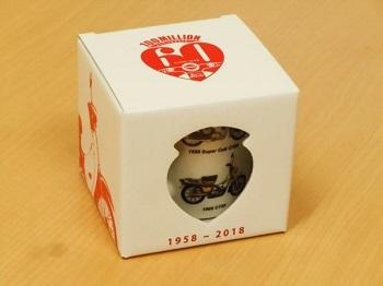 歴代のスーパーカブをデザインしたマグカップ_d0368592_20210133.jpg