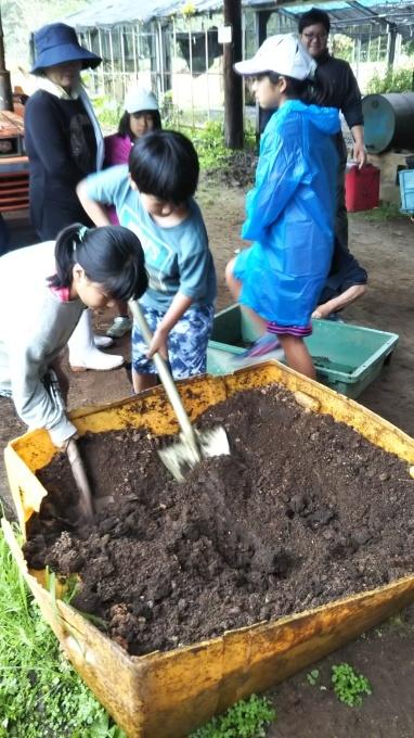 第8回くんじゃん山学校 どんぐりを植えよう!_f0121321_15563121.jpg