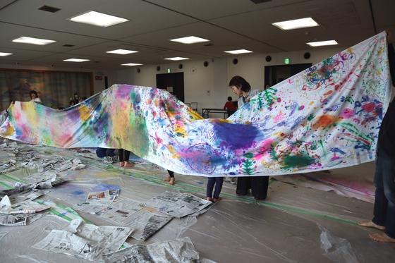 第5回こども美術教室 ~ 布に描く ~_e0222340_14541262.jpg