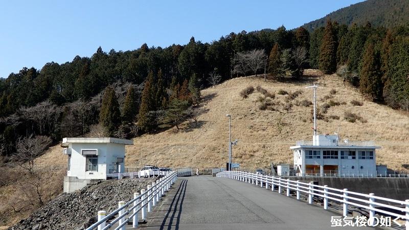 静岡県の大倉川農地防災ダムへ~ 絶景、雄大な富士山に見守られたダム ~(ダムカード1枚ゲット)_e0304702_08015758.jpg