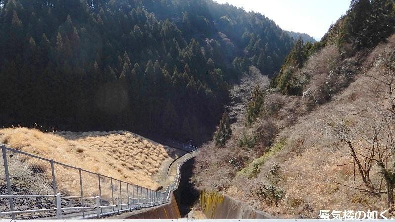 静岡県の大倉川農地防災ダムへ~ 絶景、雄大な富士山に見守られたダム ~(ダムカード1枚ゲット)_e0304702_08052297.jpg