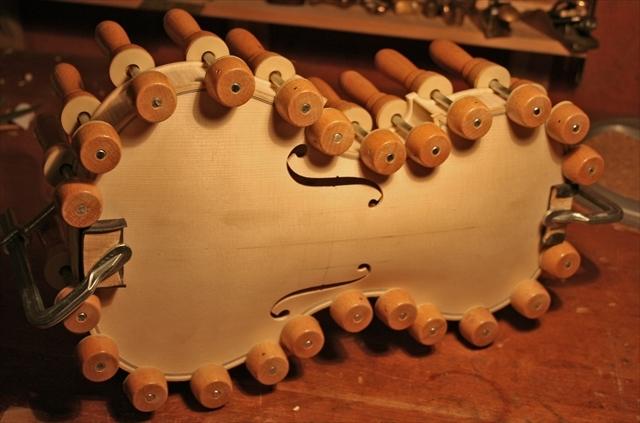 ヴァイオリン製作工程のご紹介_a0197551_07353026.jpg