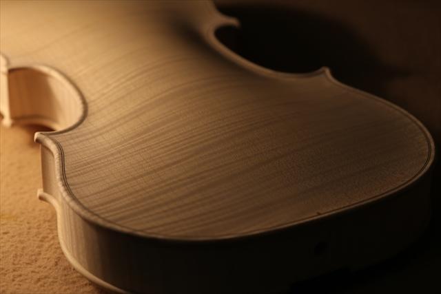 ホワイトヴァイオリンのご紹介_a0197551_15103418.jpg