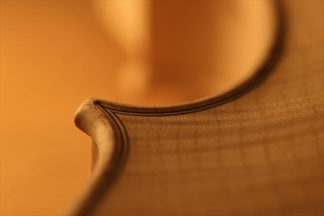 ホワイトヴァイオリンのご紹介_a0197551_15104506.jpg