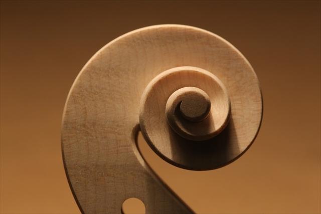 ホワイトヴァイオリンのご紹介_a0197551_15113552.jpg