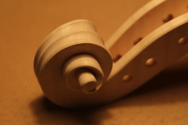 ホワイトヴァイオリンのご紹介_a0197551_15120022.jpg