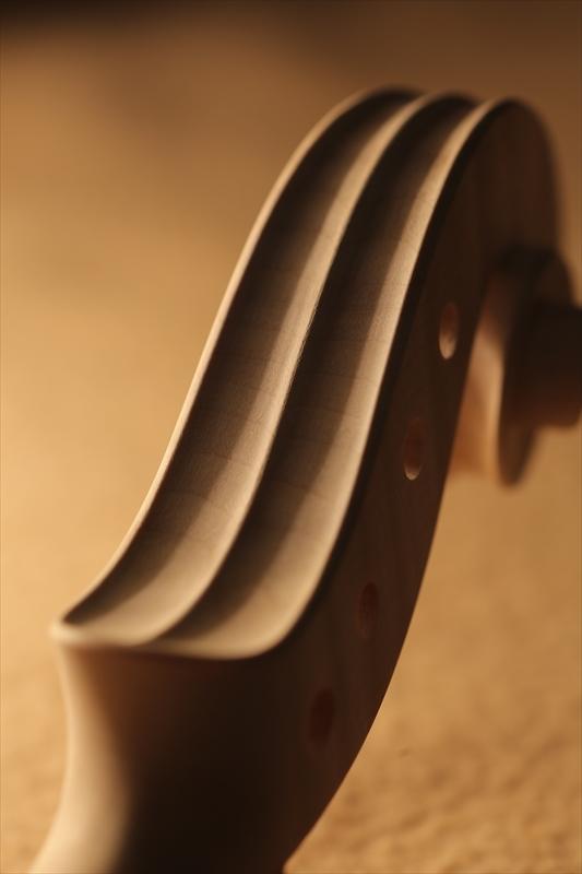 ホワイトヴァイオリンのご紹介_a0197551_15122209.jpg