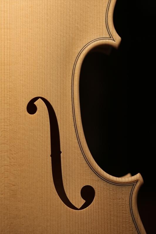 ホワイトヴァイオリンのご紹介_a0197551_15265239.jpg