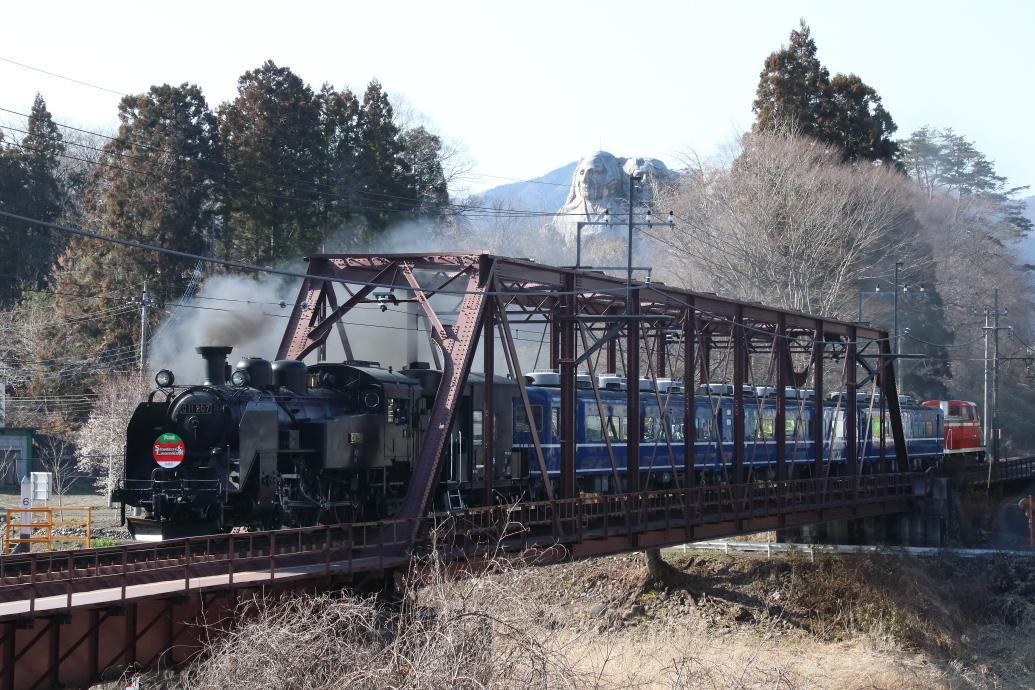 マウントラッシュモアの麓を汽車が走る - 2019年早春・東武鬼怒川線 -_b0190710_23083408.jpg