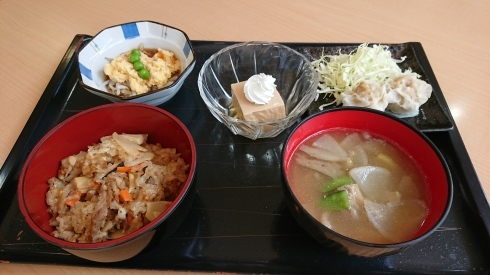 今日のお昼ご飯_d0178056_13404629.jpg