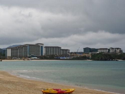 ハレクラニ沖縄、建設中♪_c0100865_23290419.jpg
