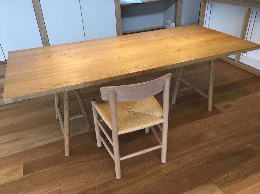 テーブルの搬入_c0354072_00382321.jpg
