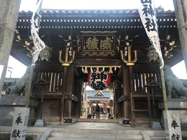 福岡博多日帰りの旅後半。@天神。警固神社。櫛田神社。中州。_a0050302_22193356.jpg