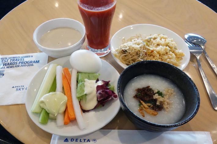 大韓航空 KE704便 成田ー仁川 ビジネスクラスの機内食と機材 B747-8i 2018年12月 大田・ソウルの旅(1)_f0117059_16432508.jpg