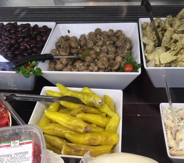 イタリア食料品店で時間をつぶす_e0350971_14020719.jpg