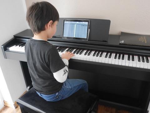自宅でピアノレッスン♪_f0210340_19114578.jpg
