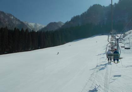 そんなこんなで久々にスキー動画の投稿を......仕事の合間のちょこちょこ....._b0194185_16183203.jpg