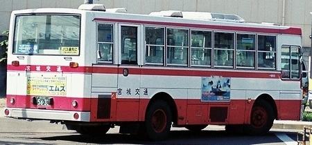 宮城交通 いすゞLTと日デRPの富士重工架装車_e0030537_00202279.jpg