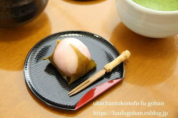 ホワイトデーの桜餅&おばちゃんは、なんてついてないんやろ~(>_<)_c0326245_10232702.jpg