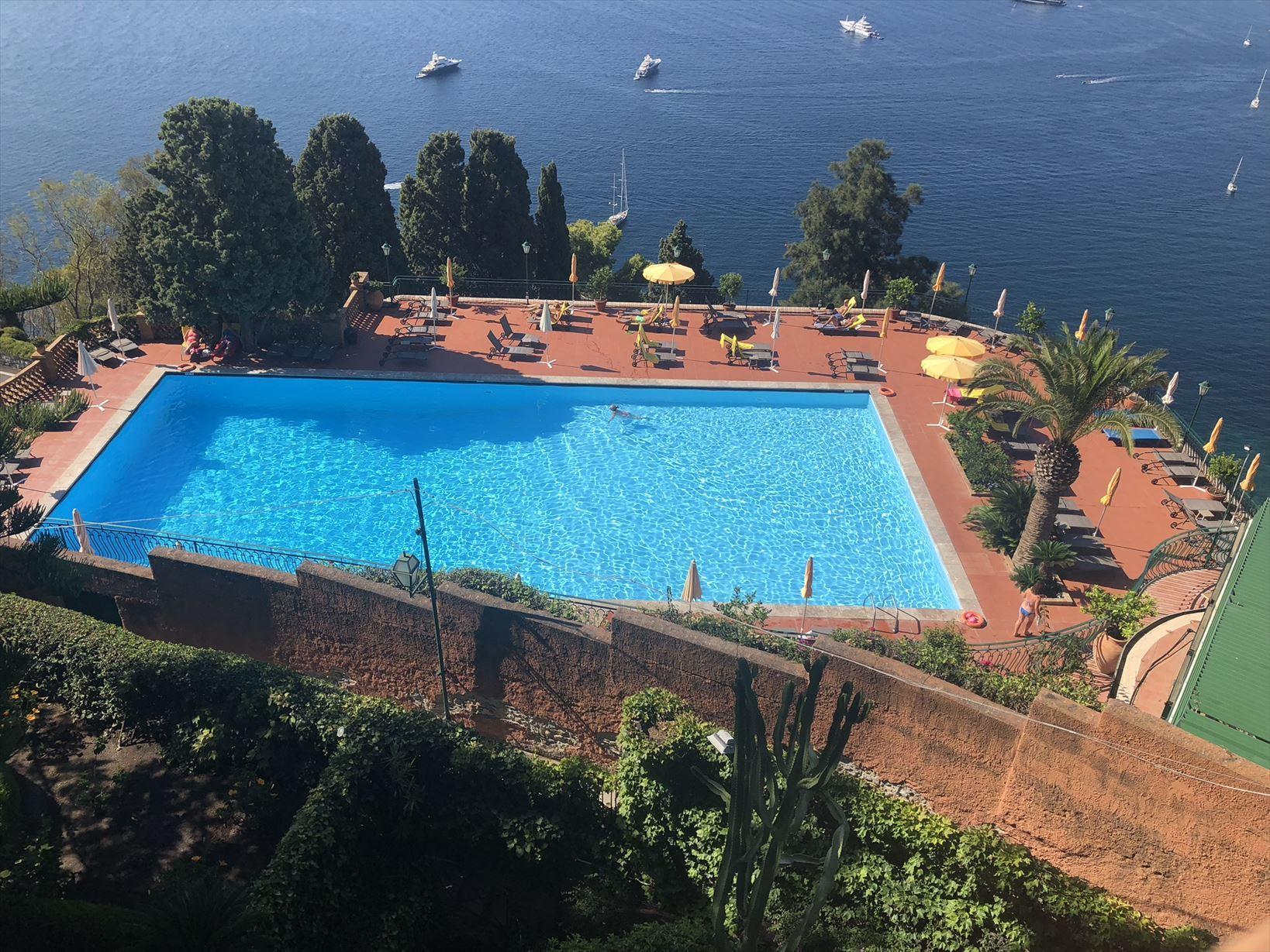 シチリア/41 タオルミーナのホテル Villa Diodoro_a0092659_18120920.jpg
