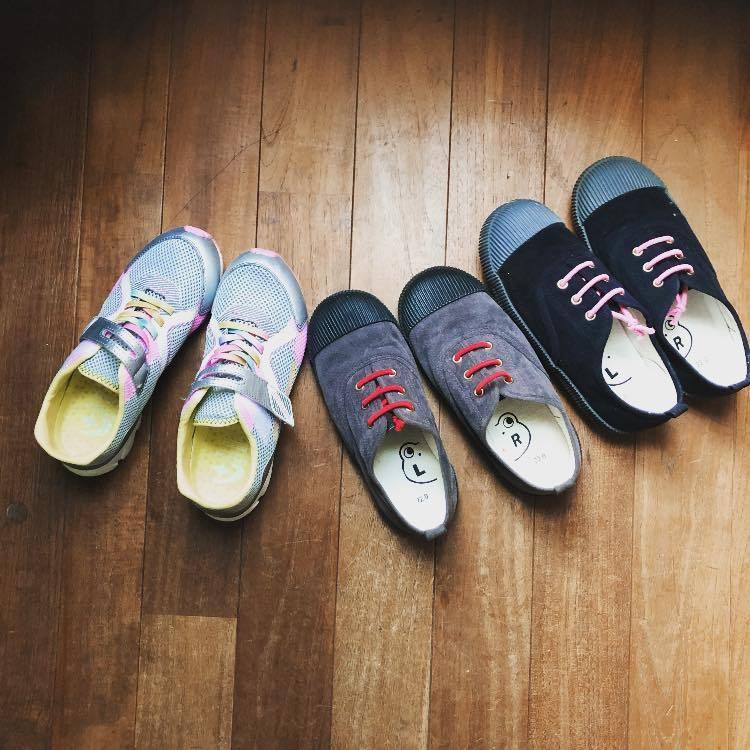 小学生女子の靴事情_b0195783_08332875.jpg