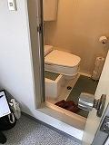 きいろいトイレ_e0190287_19435223.jpg