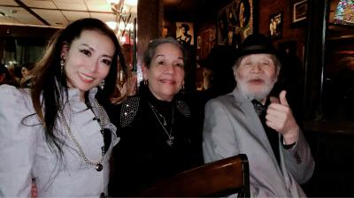 ニューヨーク ハーレムで一番有名な日本人、トミー富田のゆる~い誕生会。_f0009746_10131449.jpg